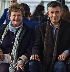 """Judi Dench e Steeve Coogan in una scena di """"Philomena"""", di Stephen Frears"""