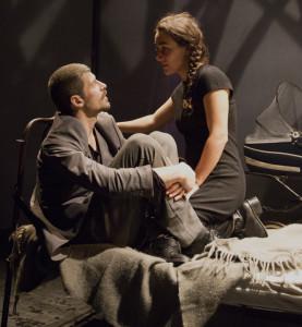 """Milano. Francesco Villano e Alice Conti in una scena di """"L'insonne"""", al Teatro dell'Arte, regia Claudio Autelli (foto Palermo)"""