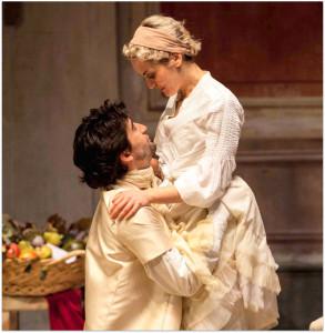 """Milano. Marina Rocco e Matteo De Blasio in una scena di """"Gli innamorati"""" di Goldoni, al Teatro Franco Parenti (foto di Fabio Artese)"""