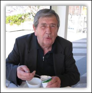 Domenico Rigotti, inviato nel giugno 2010 al Festival di Napoli, in una foto scattata all'ora di colazione (foto Paganini)