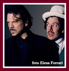 """Mino Manni (Salieri) e Davide Lorenzo Palla (Mozart) all'Out Off in una scena di """"Mozart e Salieri"""" da Puskin, regia di Alberto Oliva"""