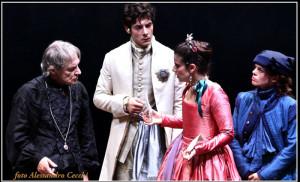 """Carlo Cecchi, Remo Stella, Barbara Ronchi e Eugenia Cotantini in una scena di """"La dodicesima notte"""" al Teatro Franco Parenti"""